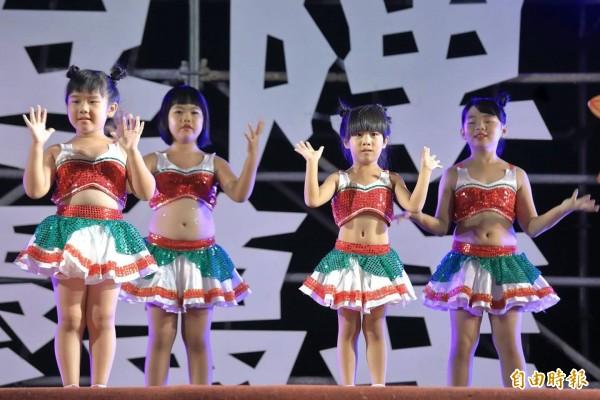 「異國風舞蹈班」可愛風兒童律動。(記者王榮祥翻攝)