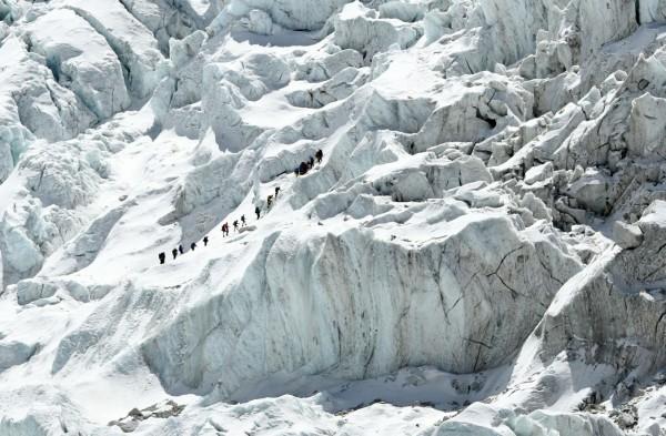 5名韓國登山者和4名尼泊爾嚮導在喜馬拉雅山脈古爾加山峰(Mount Gurja)罹難,僅有1名韓國人因為身體不適留在山腳下才撿回一命。喜馬拉雅登山示意圖。(法新社)