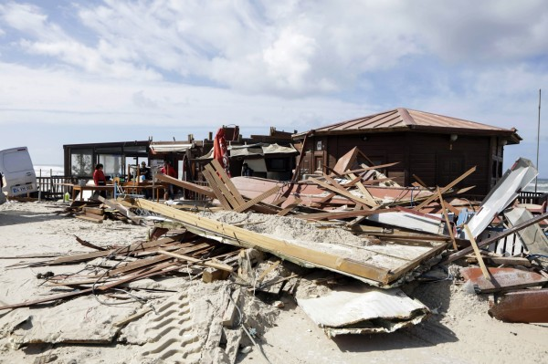 熱帶風暴萊斯利襲捲葡萄牙北部、中部,造成超過32萬用戶停電、27人受傷。(歐新社)