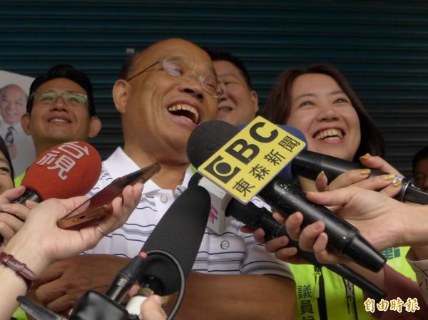 民進黨新北市長參選人蘇貞昌認為競爭對手侯友宜不該再偽裝是個素人。(記者李雅雯攝)