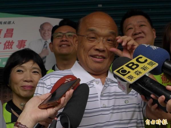 民進黨新北市長參選人蘇貞昌,回擊新板特區3.3公頃預定地議題。(記者李雅雯攝)