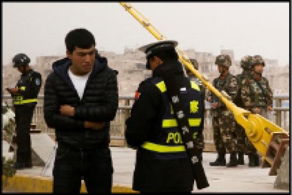 改造新疆,紐約時報十五日也以專文報導中國國家主席習近平扮演的「決定性」角色。(路透)