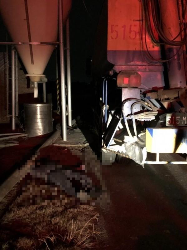 嘉義縣布袋鎮發生電擊意外。(記者林宜樟翻攝)