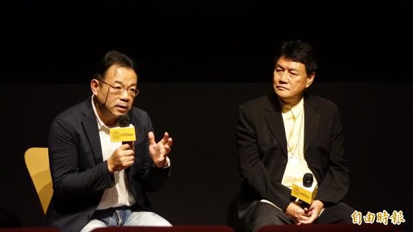 林堉璘宏泰教育基金會18日以「每一個人都可以無私的奉獻」為題,舉辦第一屆「堉璘台灣奉獻獎」紀實首映會,並邀請劉民和牧師(右)及攝影家沈昭良(左)到場分享心得。(記者叢昌瑾攝)