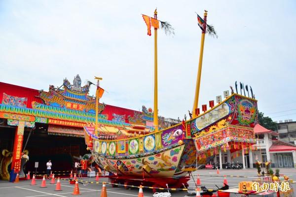 山西宮王船出澳,正式公開亮相。(記者吳俊鋒攝)