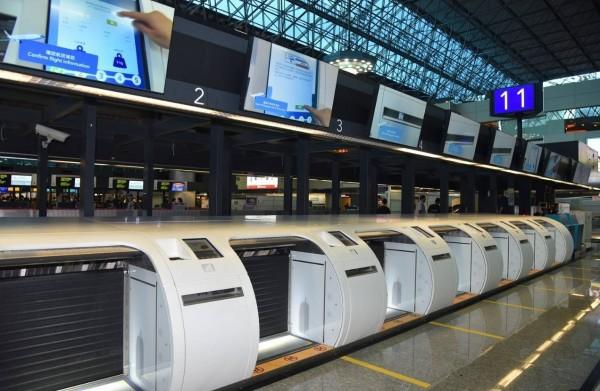 桃機二航廈啟用自助行李託運系統,報到、託運只要3分鐘。(圖:桃機公司提供)