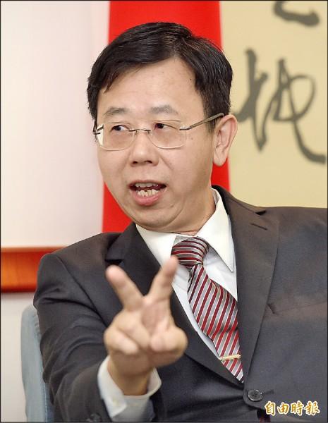 調查局長呂文忠接受本報專訪時進一步透露,中國確實有金援國內特定的候選人,調查局已有蒐證及掌握,現立案偵辦中。(記者黃耀徵攝)
