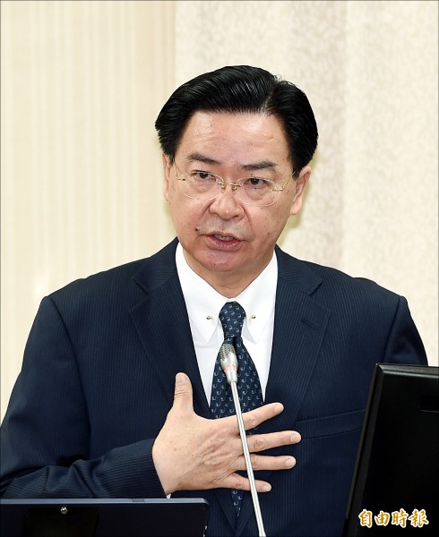立法院外交及國防委員會22日開會,外交部長吳釗燮列席備詢。(記者方賓照攝)