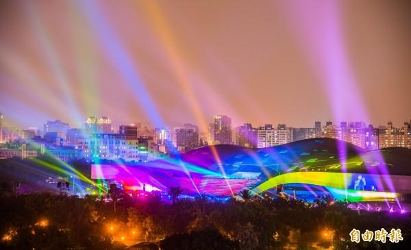 高雄衛武營國家藝術文化中心光雕秀。(資料照)