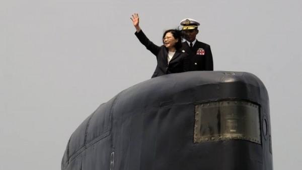 《金融時報》報導,台灣將在下週登場的美台國防工業會議尋求與美國達成更大的採購案。圖為總統蔡英文。(法新社)