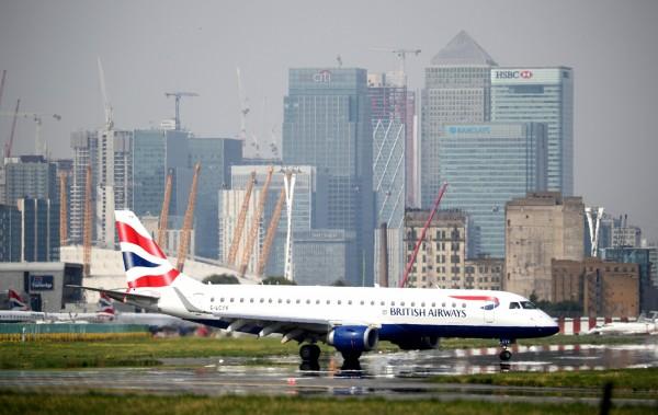 英國航空(British Airways)9月爆出資安危機,當時統計約有38萬名客戶個資面臨外洩,而昨(25)日又宣布另外又有18.5萬名客戶也受影響。(路透)