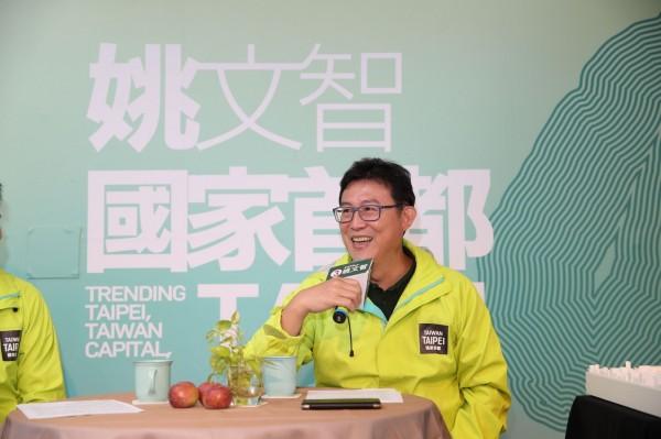 民進黨台北市長候選人姚文智嘲諷柯文哲比國民黨恐怖。(圖由姚文智辦公室堤共)