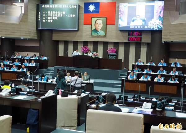 南投縣議會今三讀通過縣府明年度總預算,僅保留619萬餘元。(記者陳鳳麗攝)