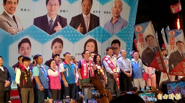 謝龍介今晚在南市海安路舉行競選總部成立大會。(記者蔡文居攝)