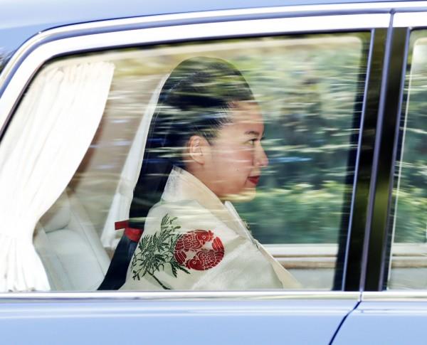 絢子髮型採用平安時代貴族女性的「大垂髮」,將頭髮束於腦後。(美聯社)