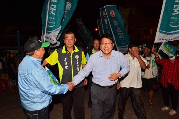 潘孟安返鄉成立競總。(記者陳彥廷翻攝)