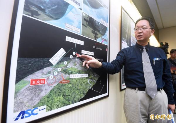 飛安會31日公布「凌天航空B-31118事故調查」報告,「看見台灣」導演齊柏林是這起空難的罹難者,執行長官文霖(見圖)根據調查報告指出,直升機可能因高度過低、駕駛疲勞而釀悲劇。(記者廖振輝攝)