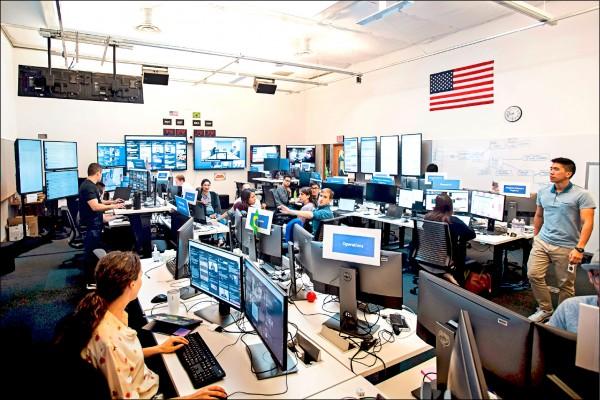 臉書為遏阻外國勢力散播假新聞,操縱美國期中選舉,在加州門洛帕克(Menlo Park)總部成立「戰情室」。 (法新社檔案照)