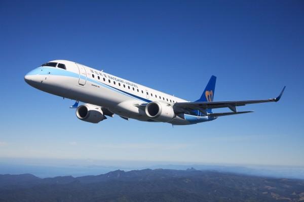 華信航空今天宣布首度搭上「雙11」光棍節熱潮,推出「雙11國內機票限時搶購」 專案,現省999元。(華信提供)