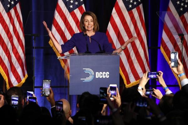 美國眾議院民主黨領袖南希.裴洛西(見圖)可望出任第60任議長。(美聯社)