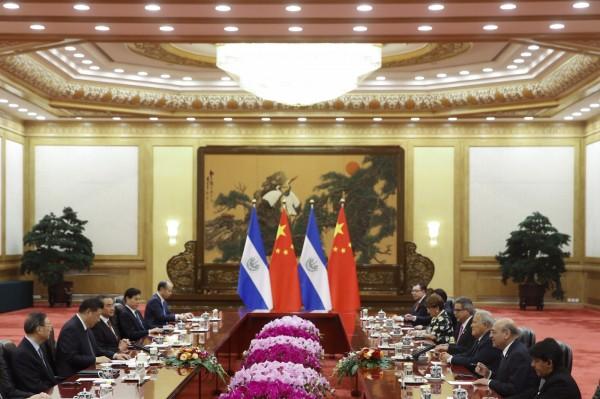 中國將金援薩國1.5億美元(約台幣46.4億)。(歐新社)