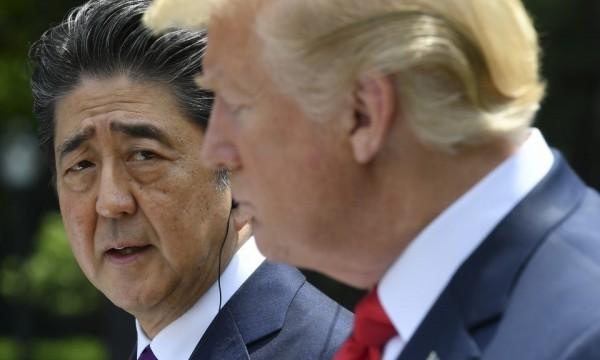 川普直批日本「在貿易上對美國不公平」,憑低關稅送了幾百萬台車來,卻又不買美國車。(法新社資料圖)