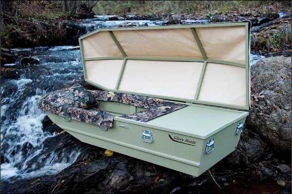 美國阿肯色州棺材業者提供船型棺材。(取自網路)