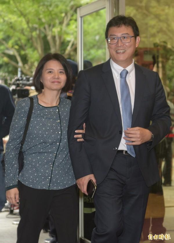 曾被柯媽罵沒路用,民進黨台北市長候選人姚文智表示,「我媽媽當天氣到關在陰暗客廳裡面,受到極大侮辱」。(記者張嘉明攝)
