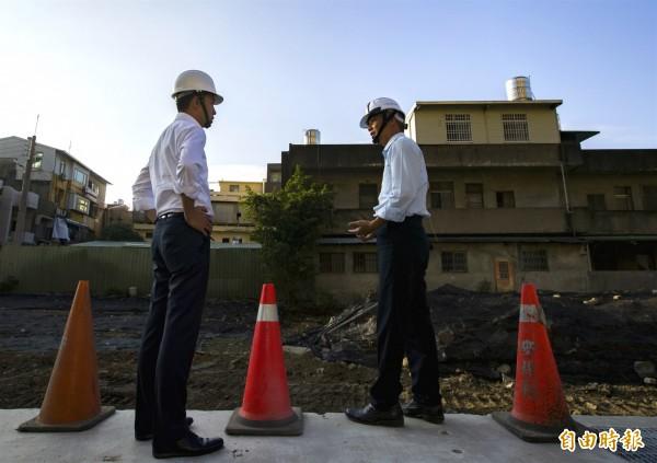 新竹市政府正進行公道三安置基地的基礎建設和公共設施工程,期許提供公道三拆遷戶一個安置安居的基地,預計明年中完工,市長林智堅日前視察,要求如質如期完工。(記者洪美秀攝)