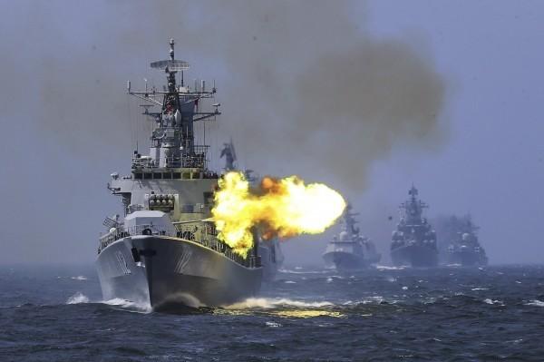 俄專家認為,一旦中美開戰,莫斯科必須支持華盛頓。圖為俄國海軍。(美聯社)