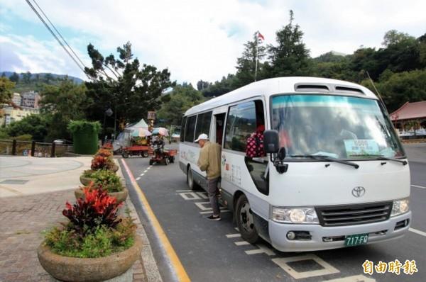 中央同意中橫便道通行中巴,市府16日舉行幸福巴士通車典禮。(資料照)