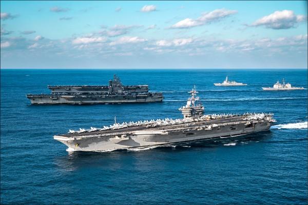 雷根號、羅斯福號及尼米茲號三個航艦打擊群,去年十一月也曾在菲律賓海進行操演。(圖片來源:美軍印太司令部)