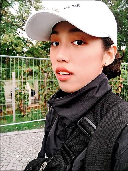 正妹女警林佳勳。(記者吳昇儒翻攝)
