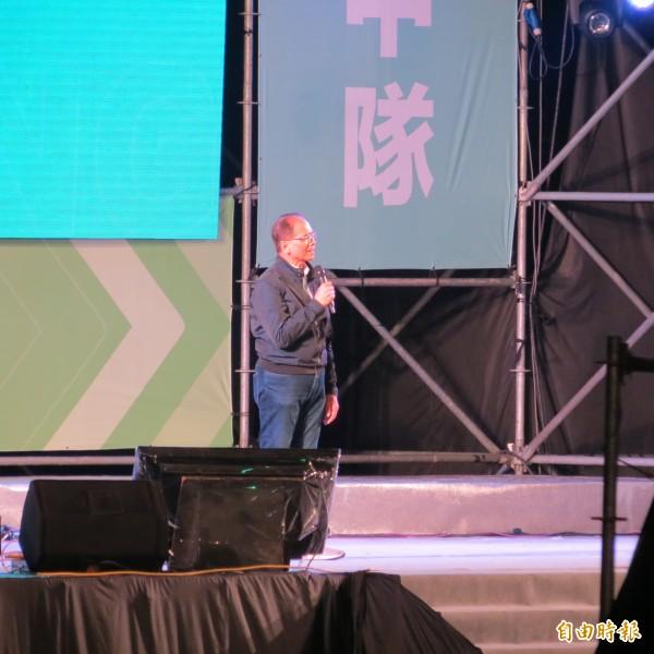 游錫堃為林佳龍的空污防治能力背書。(記者蘇金鳳攝)
