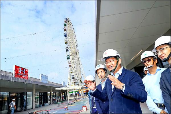 台中港三井OUTLET PARK即將試營運,市長林佳龍前往視察日方準備情形。(台中市政府提供)