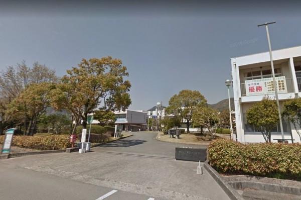 日本熊本西高校野球部進行練習賽時,打者被頭部觸身球砸中喪命。(圖擷自Google街景)
