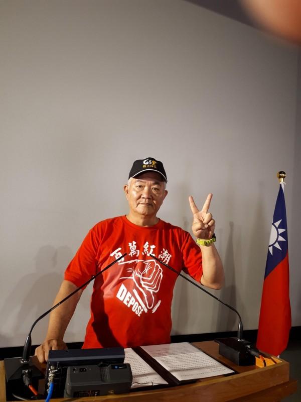 新竹市長選舉第2場公辦政見會,無黨籍候選人力驥羣以揭弊市長自許,擔心新竹市快破產了,籲選民要,選有能力的人。(記者洪美秀攝)