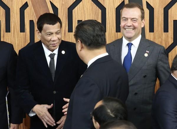 中國曾承諾馬尼拉的投資一直未到位,讓菲律賓人擔心總統杜特蒂根本「被騙了」。(美聯社)