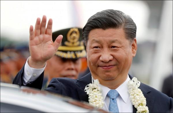 中國國家主席習近平二十日抵達菲律賓,展開為期兩天的國是訪問。(路透)