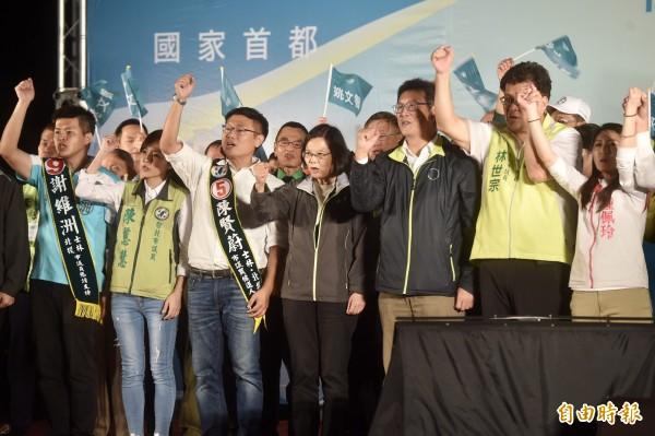 民進黨在士北提名6席,林世宗、王威中、陳慈慧、謝維洲為現任議員,鍾佩玲、陳賢蔚為新人。(資料照)