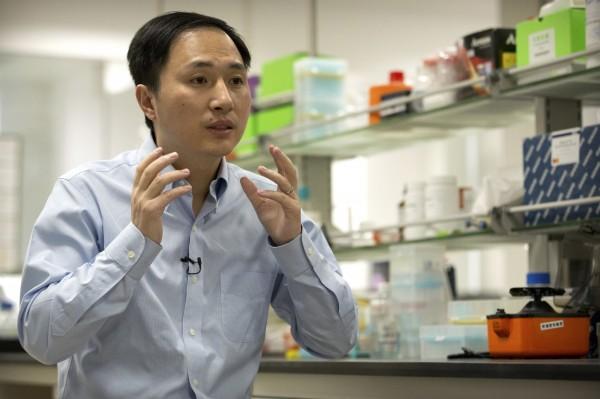 中國科學家賀建奎宣稱,創造出全球首見的基因編輯寶寶,此事在國際間引起爭議。(美聯社)