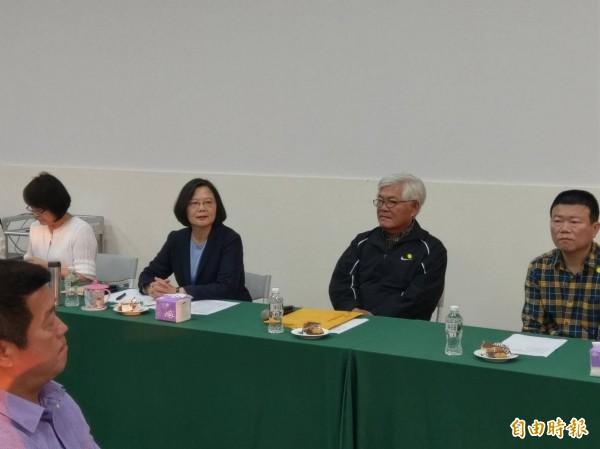 蔡總統抵達雲林檢討敗選,雲林三巨頭獨缺一人。(記者廖淑玲攝)
