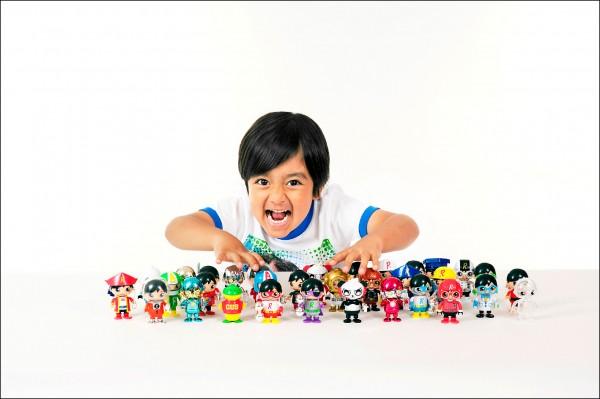 富比世雜誌報導,專門評論玩具的美國八歲網紅萊恩,去年所得高達兩千兩百萬美元,成為YouTube頻道收入冠軍。 (路透檔案照)