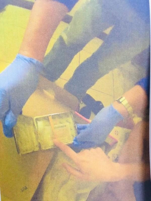 警方在王男房間找到K毒。(記者王捷翻攝)
