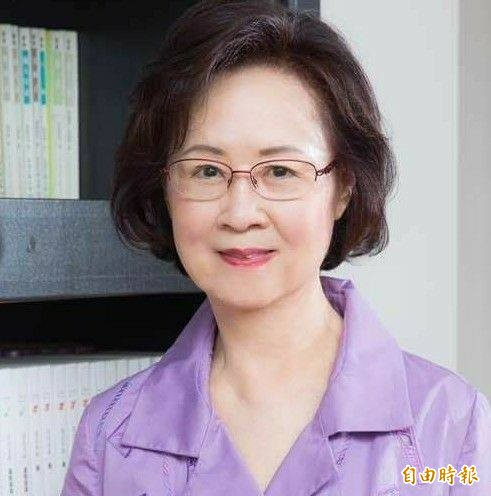 韓國瑜25日辦在愛河畔的就職典禮,邀請瓊瑤前來參加,希望她來見證這愛情產業鏈的第一步。(翻攝臉書)