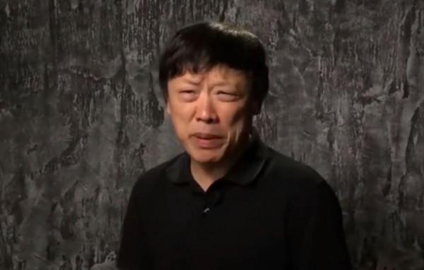有中國網友發現,胡錫進雖然聲稱挺華為,但卻使用蘋果的手機發文,質疑他「口裡不一」。(圖擷取自微博)