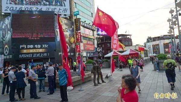 樂團拷秋勤認為,台灣企業「舔共」下場悲慘。(資料照)