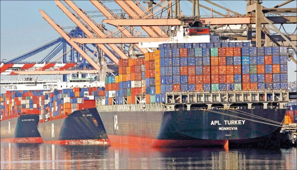 美國貿易代表署公布,提高中國2千億美元商品關稅至25%,將延緩自美東時間三月二日凌晨零時一分起實施。(美聯社)