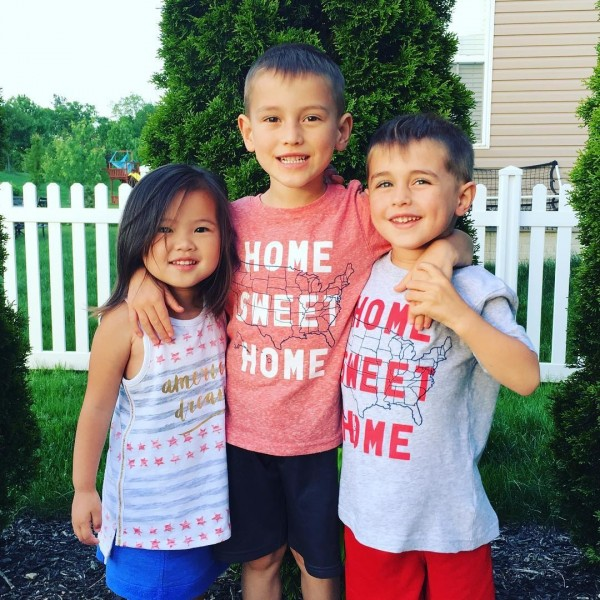 Selah與2個哥哥。(圖擷取自Instagram)