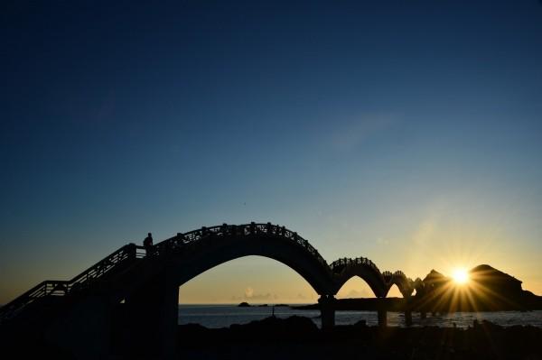 台東是東部地區最受歡迎的目的地,除了自然景觀,更有許多國外旅客前來探索當地的卑南原住民文化。(觀光局提供)